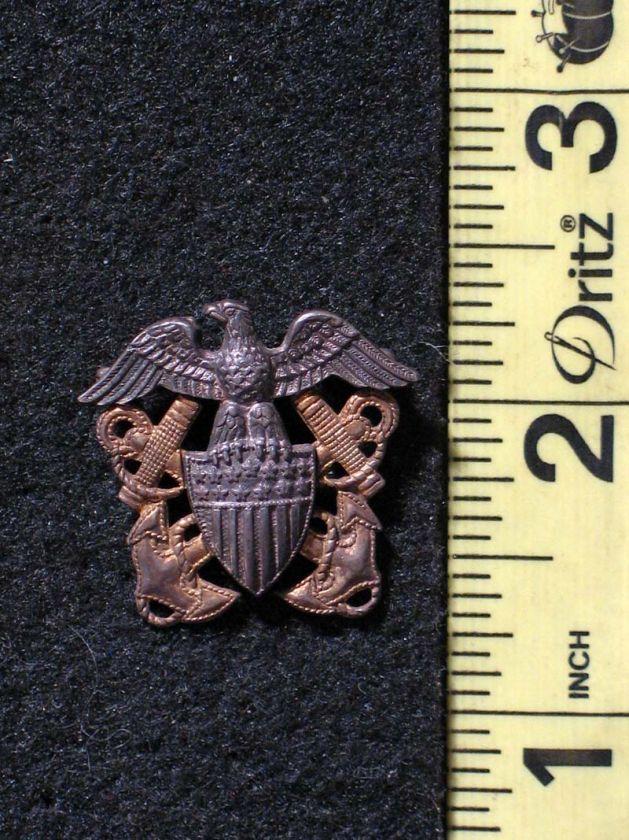 WWII U.S. Navy U.S.N. Hat Pin / Badge Eagle & Crossed Anchors